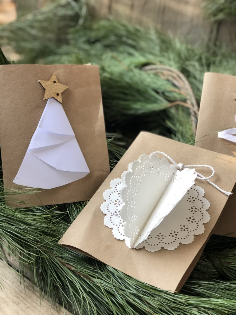 Check out our last minute ideas for Homemade Christmas cards. Elegant budget friendly way to show you love someone.