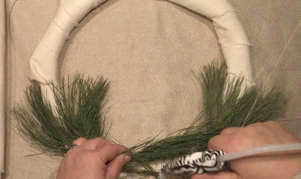 Farmhouse Boho embroidery hoop wreath. Easy wreath DIY .WINTER WREATH
