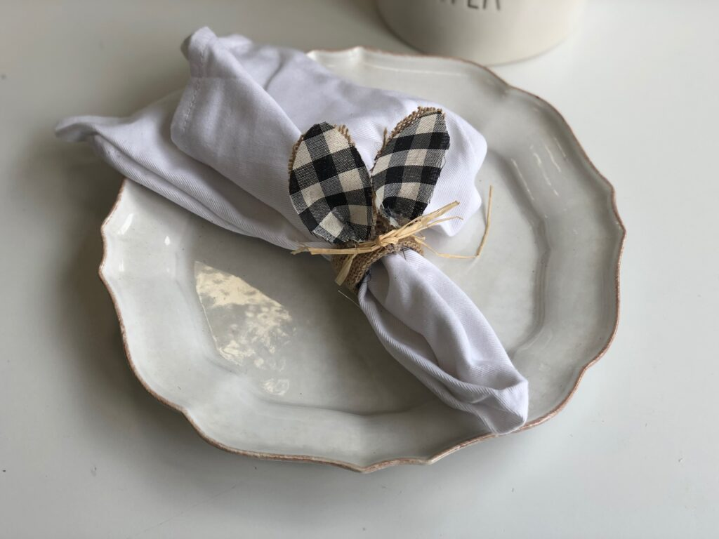 Let's make some budget friendly Easter napkin rings. Easter bunny buffalo check cutes tablescapes ideas. Budget friendly diy
