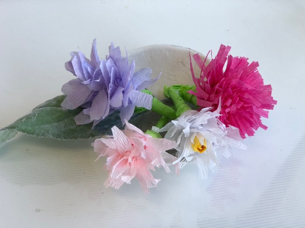 Crepe paper flowers are perfect way to decorate,bring some pop of color as we wait for the spring to come. Easter diy .Easy to follow directions