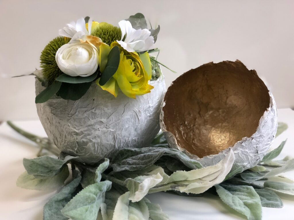 Ancient paper mâché toilet paper egg Those toilet paper crafts are the ones you need to try! Budget friendly yet elegant way to decorate with every day items.