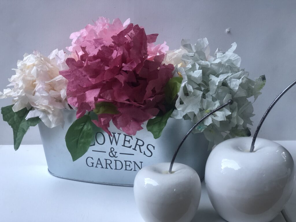 Did you know Coffee filters make beautiful flowers. Learn how to make Coffee filters hydrenga. How to dye coffee filters