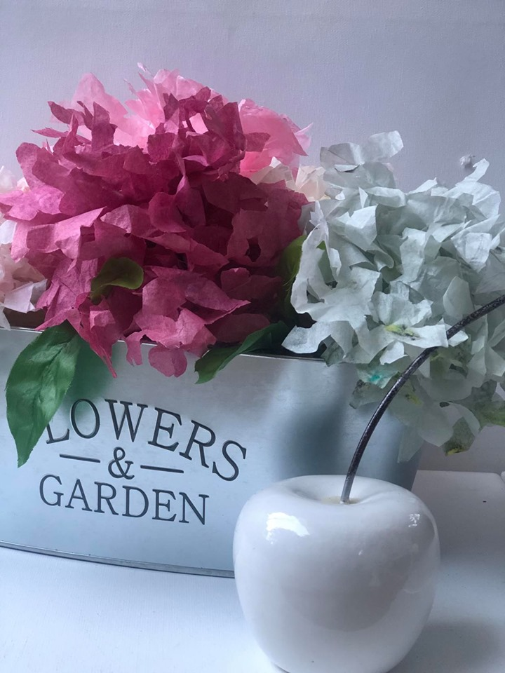 Did you know Coffee filters make beautiful flowers. Learn how to make Coffee filters hydrangea. How to dye coffee filters