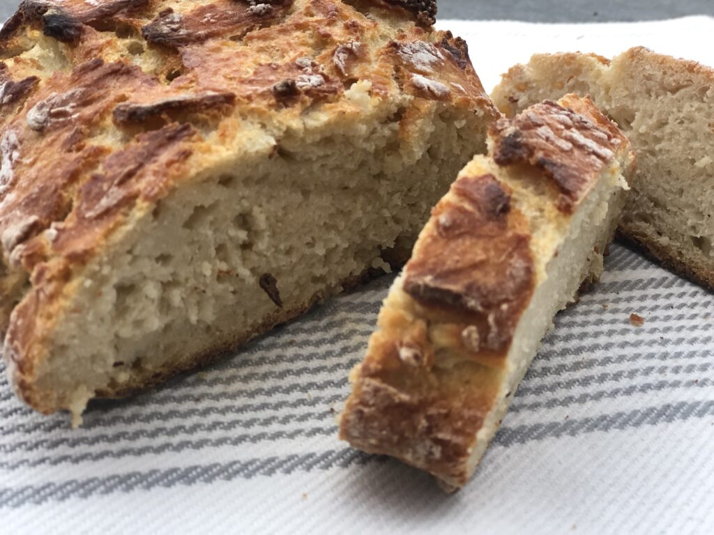 Let's go back to basics and bake our own bread! No-Knead home made bread is soo delicious and super easy to make. Must try for sure