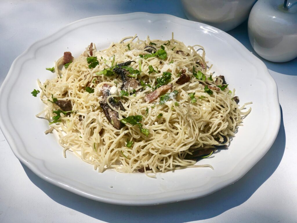 Easy to make Bacon,Mushroom and Garlic spaghetti is full of flavor meal ready in less then 15 min. Full of flavor and texture.