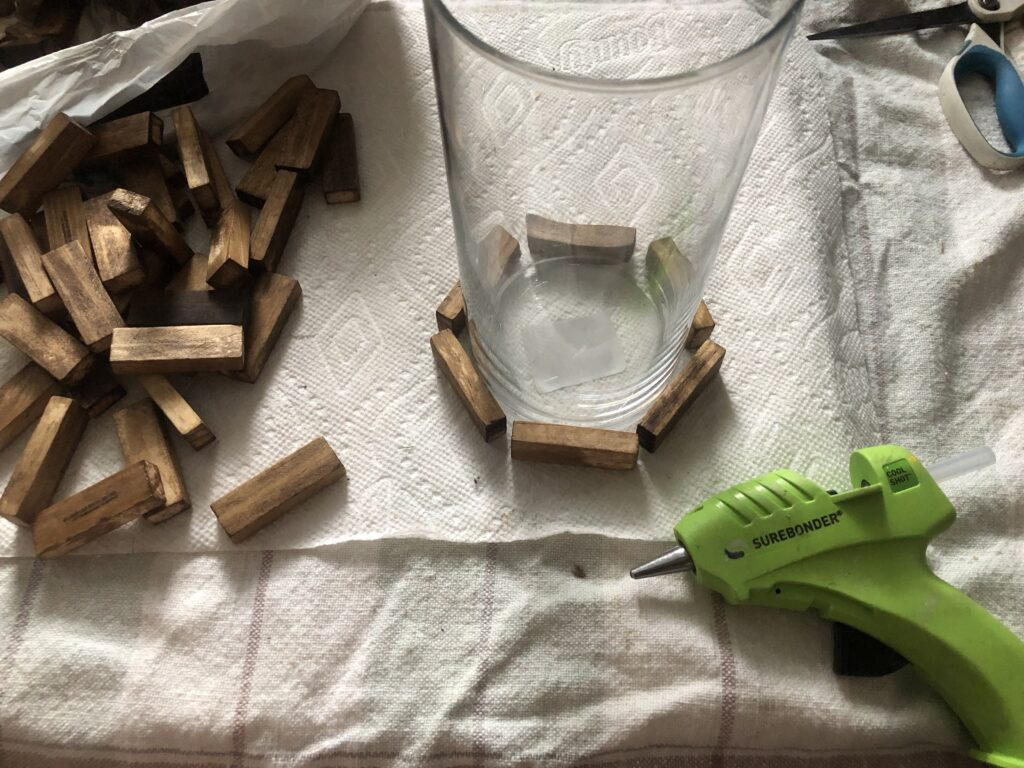 Learn how to make a lamp out of Jenga block. Dollar Tree craft idea. Budget friendly lamp shade idea. Modern Farmhouse home decor diy