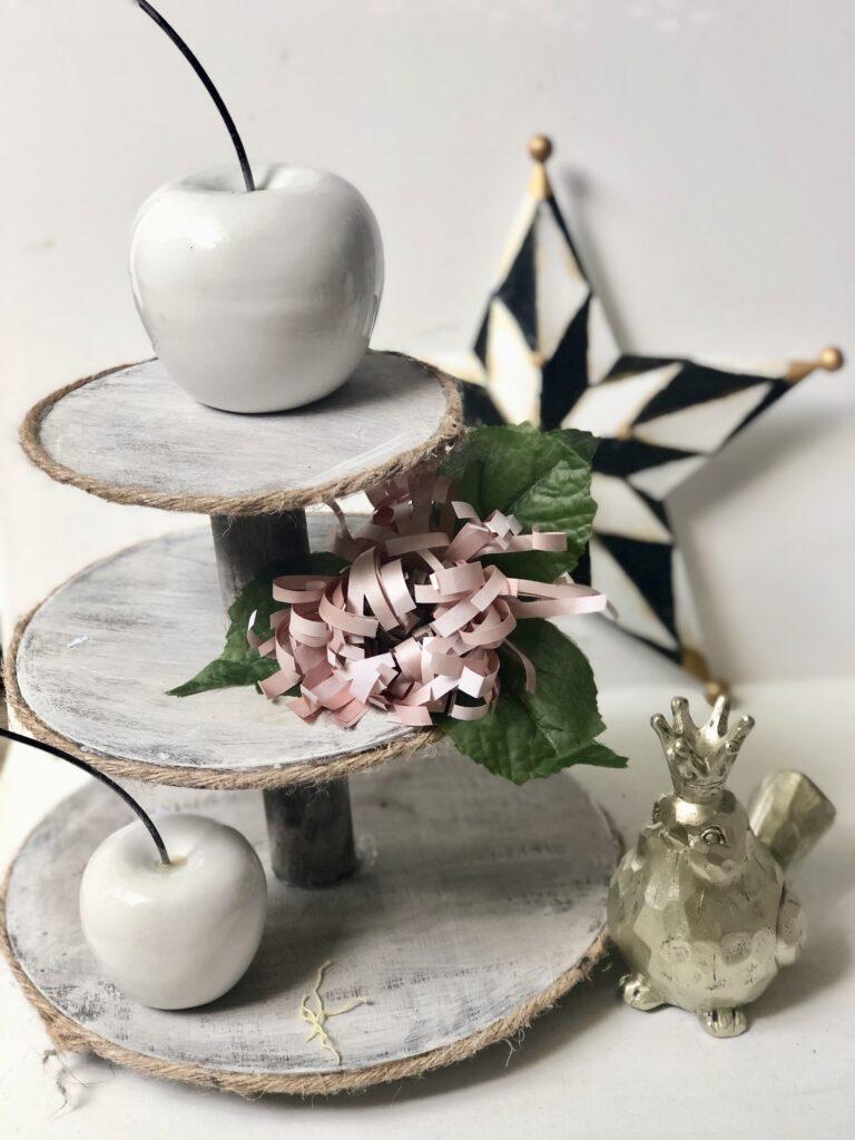 MacKenzie-Childs inspired STAR home decor diy. Harlequin pattern star diy. Black and white elegant star. How to paint checkered pattern.
