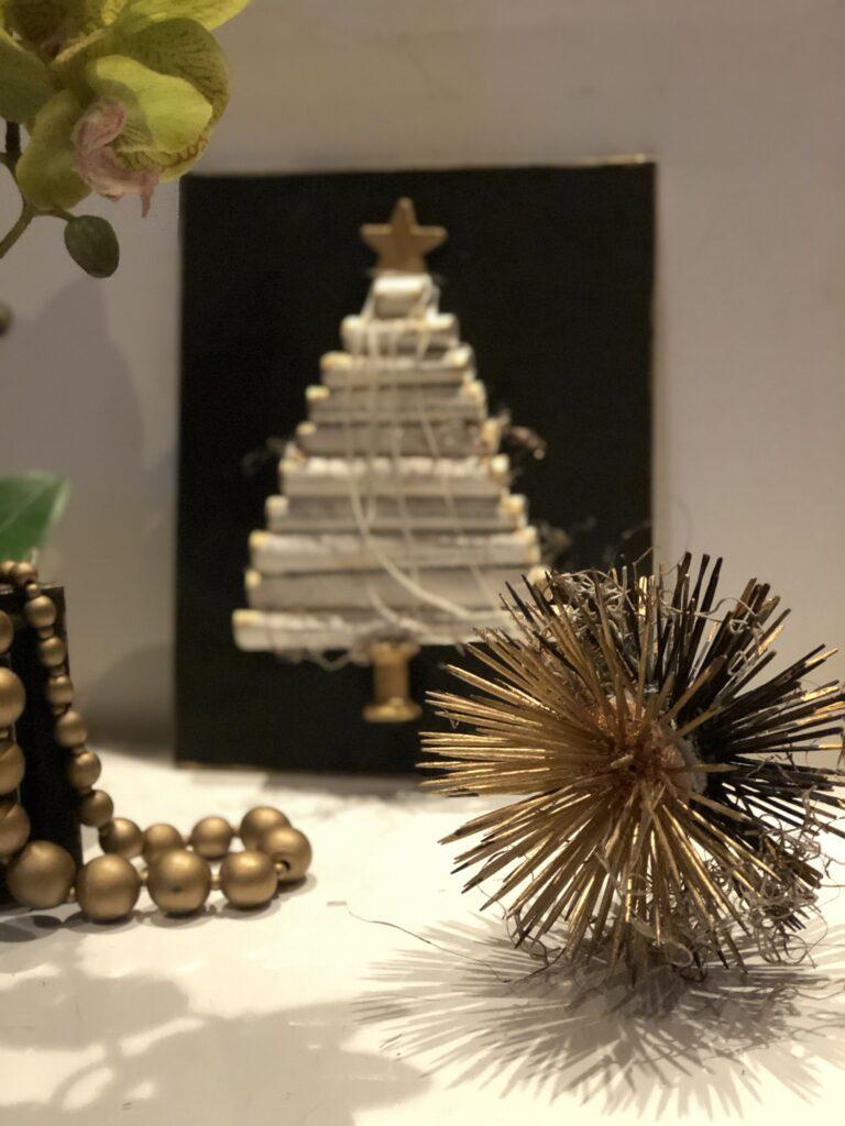 Sea urchin inspired spiky home decor diy. Fun toothpick high end craft home decor idea. Budget friendly Wall decor diy.
