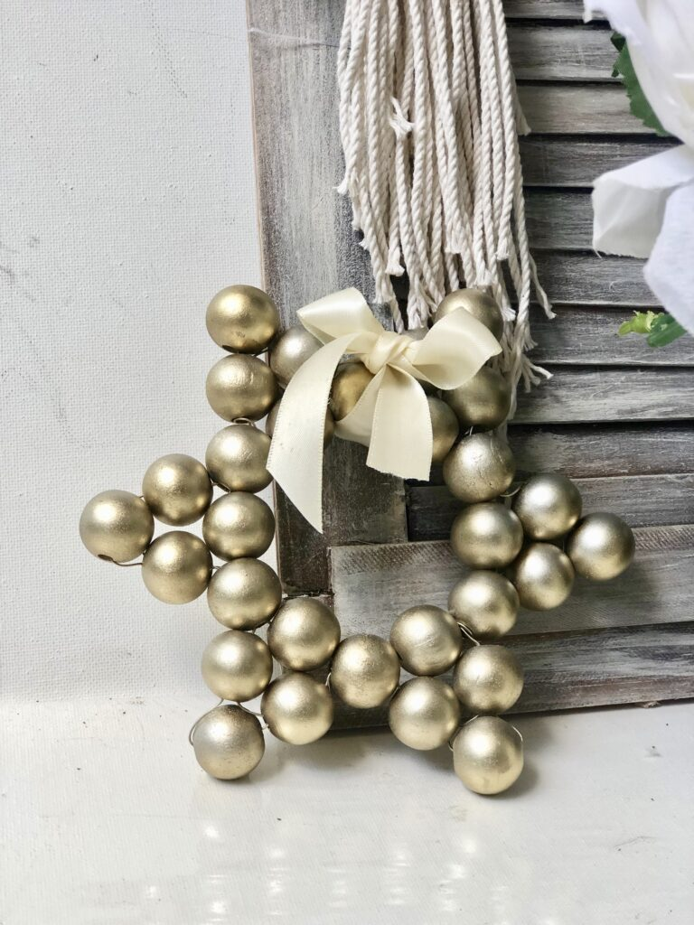 Christmas wooden beads star decor. Wooden Star DIY. Easy to follow directions to Chrismtas wooden beads ornament