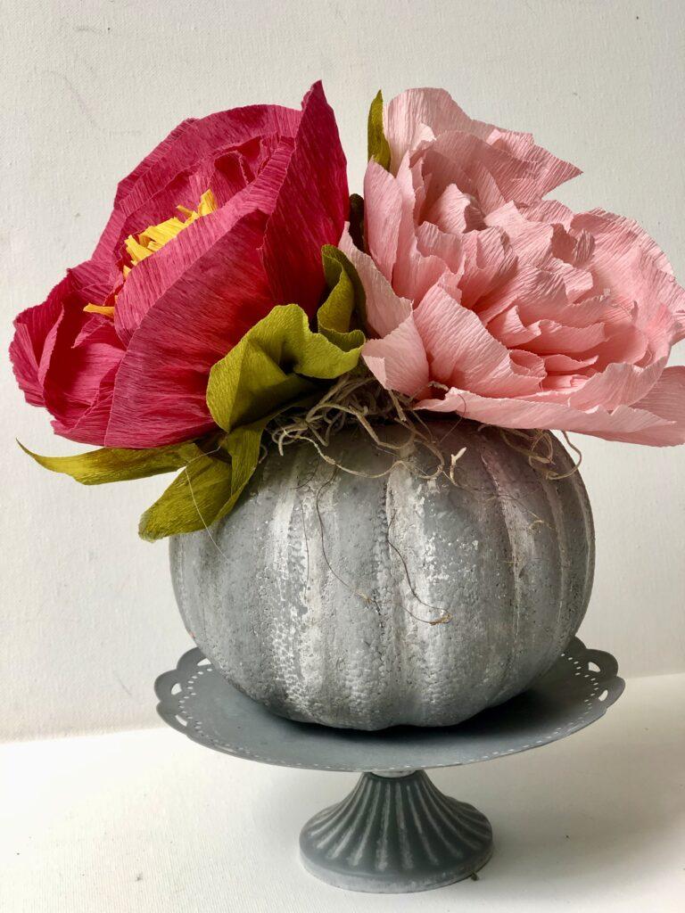Let's make a faux cement succulent pumpkin planter. Dollar Tree fall home decor idea. Painted pumpkin. Planter diy