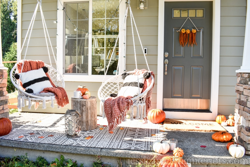 Decorate your porch for the fall !! Boho fall porch idea