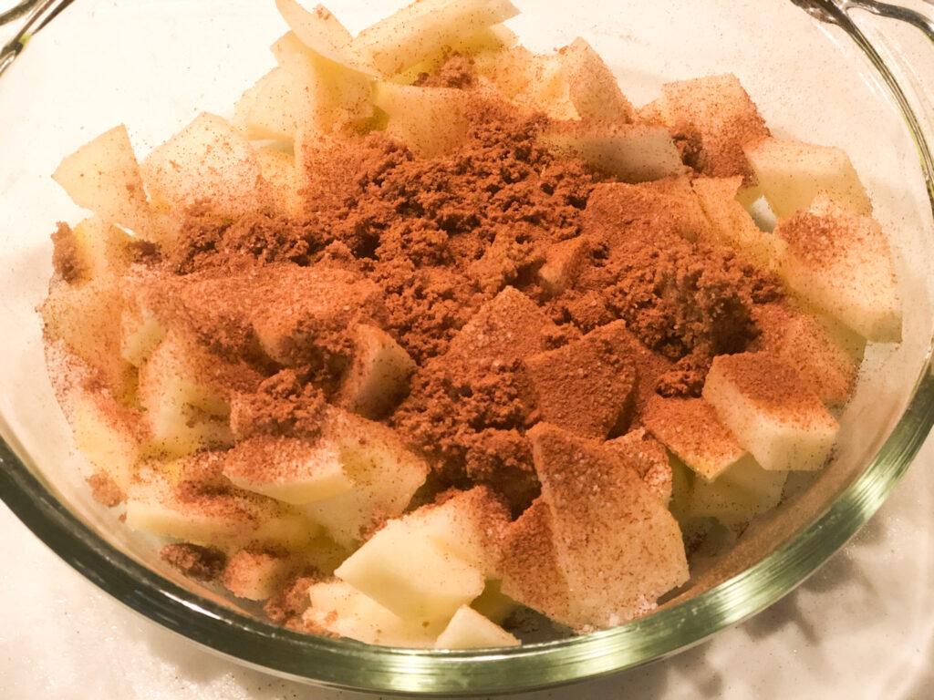 Easy fall dessert. Apple Crisp Thanksgiving Dessert. Fall sweets. Old fashione Oats apple dessert