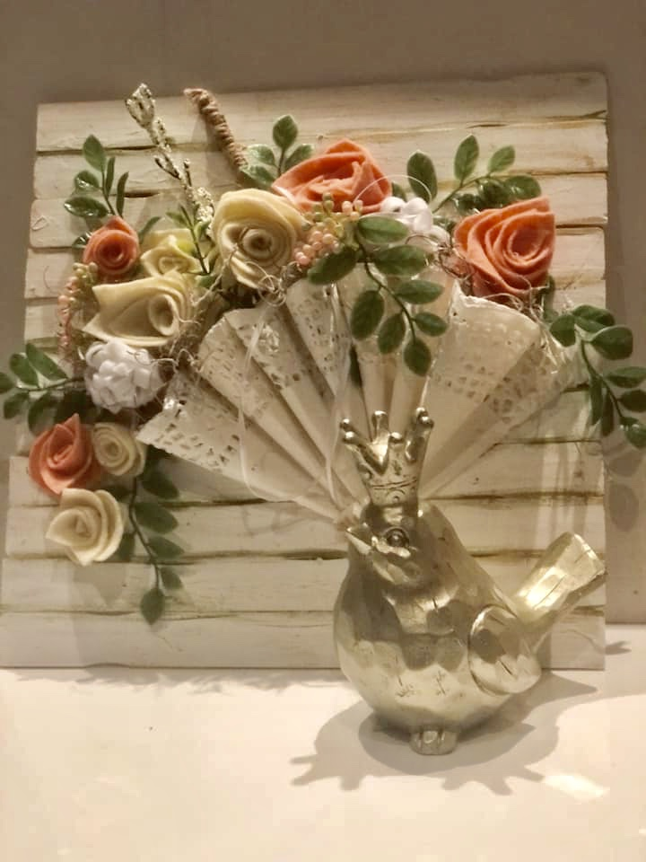 How to make a perfect rose out of book pages, coffee filter or burlap. How to dye coffee filters easy. Easy rose DIY. Doilies umbrela diy
