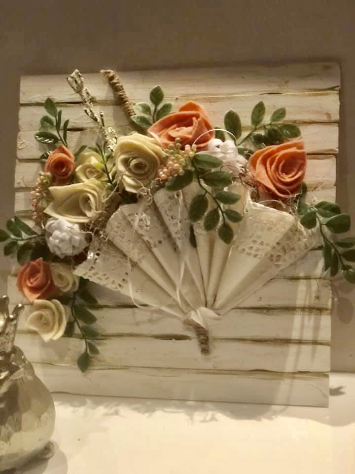 How to make a perfect rose out of book pages, coffee filter or burlap. How to dye coffee filters easy. Easy rose DIY. Doilies umbrella