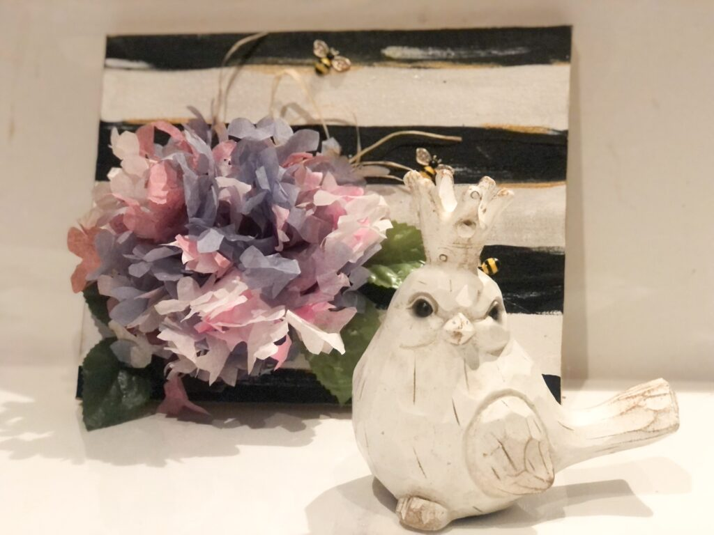 Learn how to make EASY Coffee filters hydrangea flower clusters. Coffee filter craft flowers diy. Easy coffee filters craft