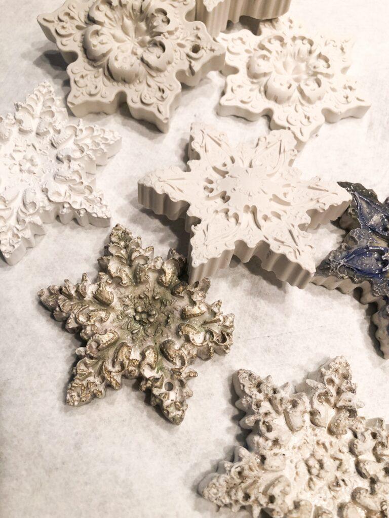 Make your own homemade salt dough ornaments. Handmade Christmas clay ornaments diy. Easy recipe. Get your Christmas ornaments with my fail proof recipes