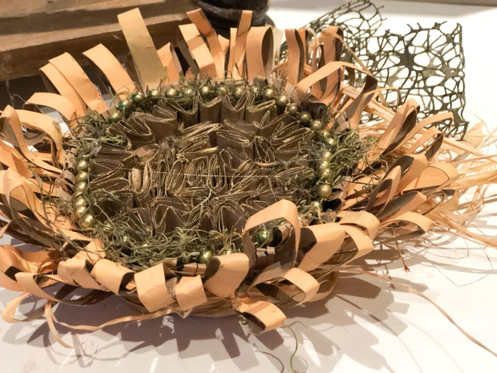 Learn how to make beautiful sunflower out of paper towel rolls. Budget friendly paper crafting. fall decor diy. Easy paper fall flower diy