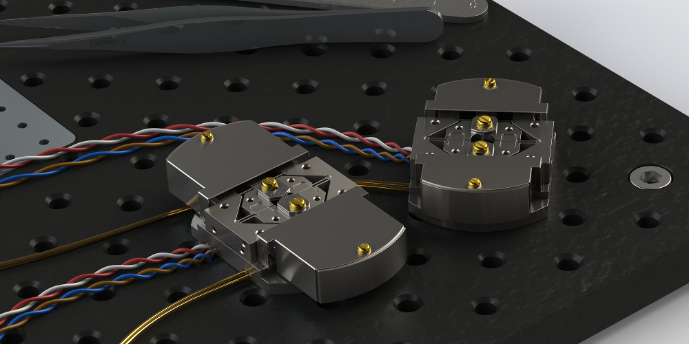 CS200T and CS220T side by side on an optical table