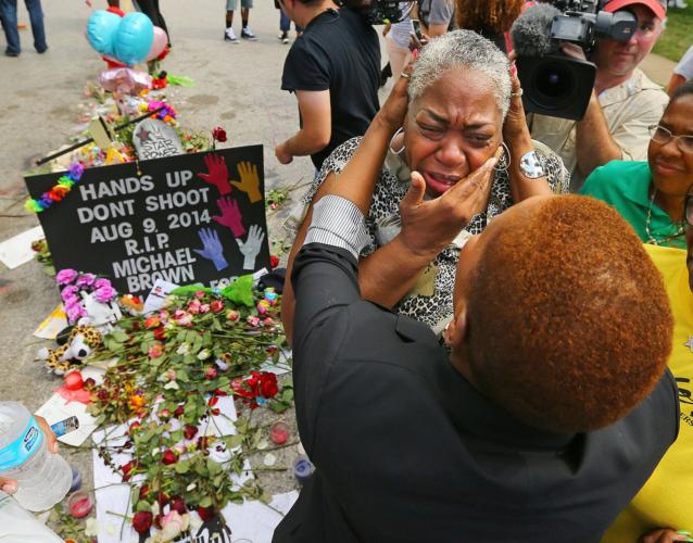 US_NEWS_MISSOURI-SHOOTING-WEDNESDAY-PROTEST_2_AT-638x500.jpg