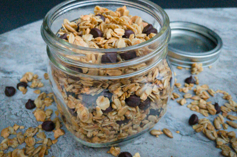 Dark Chocolate Cashew Granola