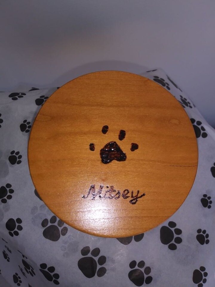 Ambrosia maple cylinder lid with Paw Print and Name Engravement