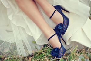 cropped-Fabulous_Bridal_Shoes_Wedding_Shoes_Aves_Photography-1338.jpg