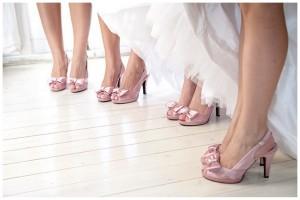 cn005-kleinevalleij-jani-b-pink-grey-real-wedding-shoes
