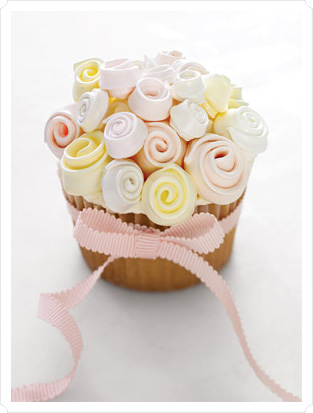 martha-stewart-cupcakes-roses