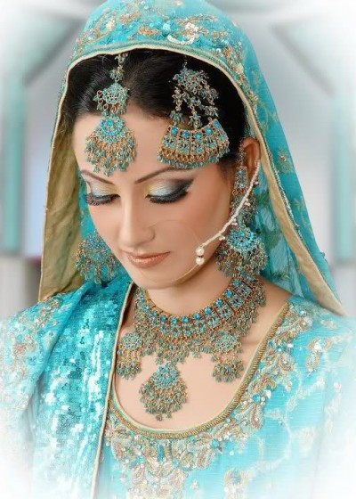 Indian-Bridal-Jhumar-Jewellery-Design