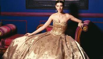 2014-Fall-2015-Winter-Wedding-Dress-Trends-Metallic-Wedding-Dresses-5