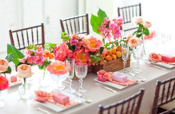 table-cloth-placemats-spring-exotic-centerpiece