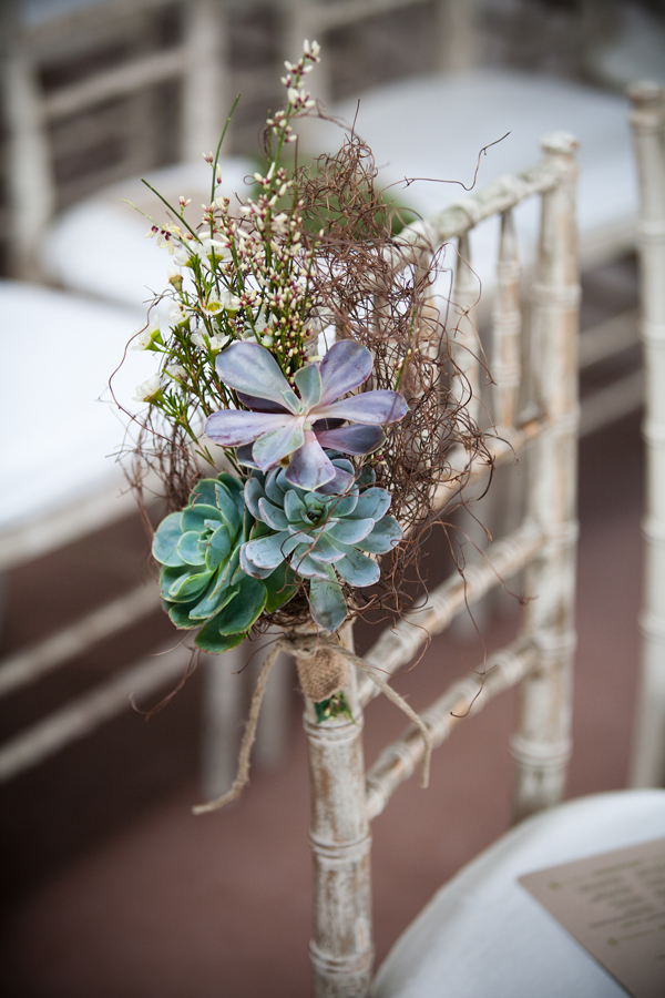 rustic-wedding-chair-decoration-with-succulents