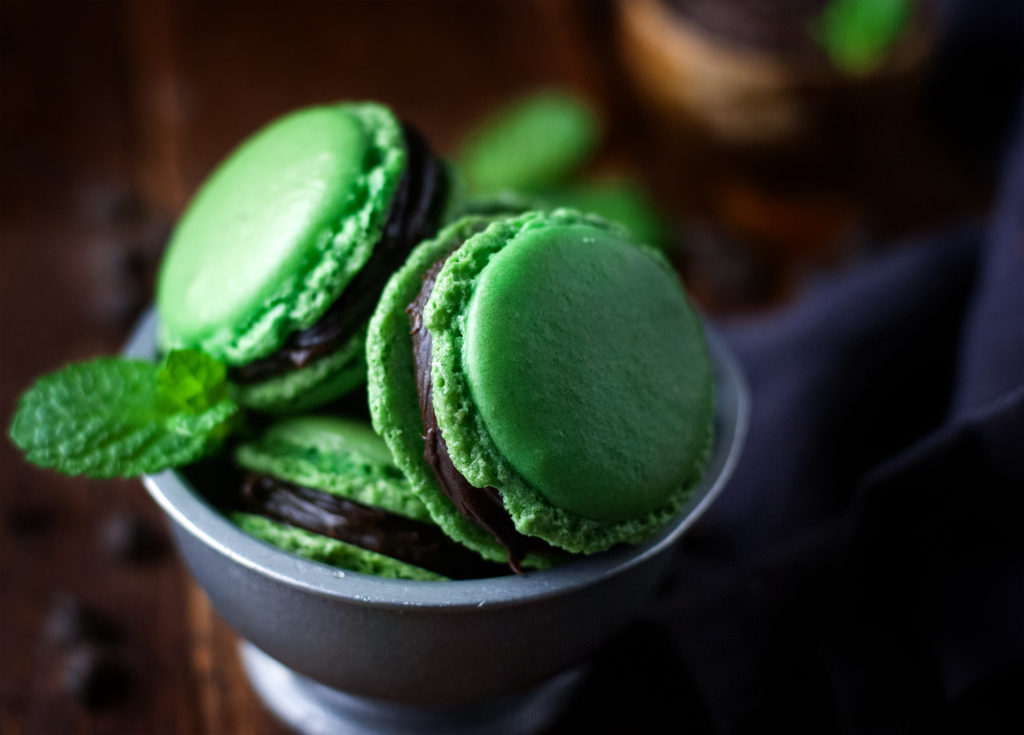 Mint Chocolate French Macarons