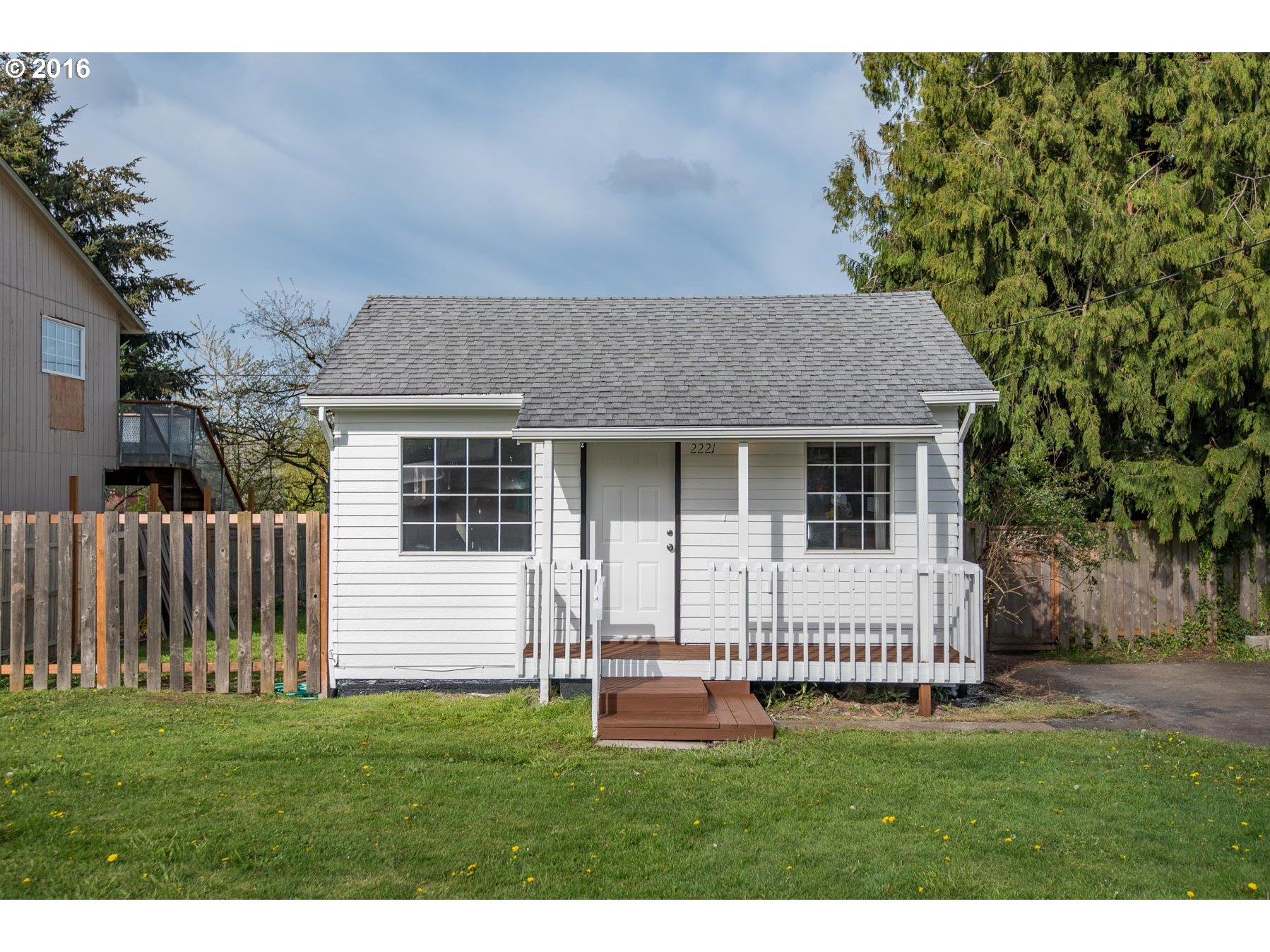 Darling Home, Large Lot