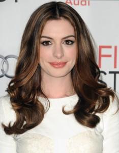 Anne-Hathaway-Balayage-Highlights-Brown-Hair