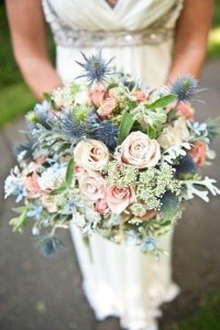 love-the-dusty-blue-and-shades-of-blush-bridal-bouquets-pinterest