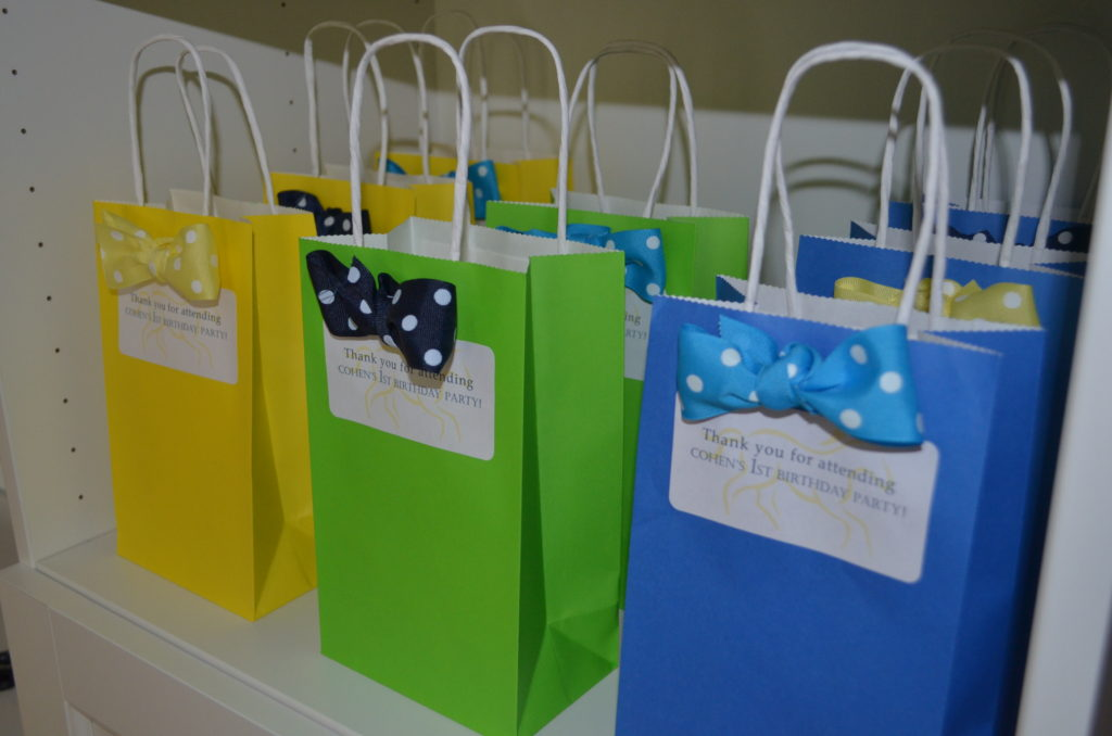 bow tie favor bags