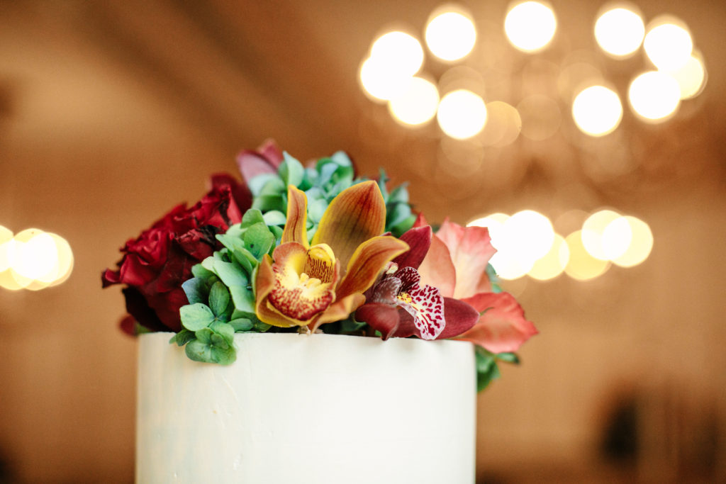 Wedding Cake Flowers, The Athletic Club of Columbus