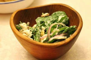 Spinach Salad with Pears, Walnuts and Goat Cheese