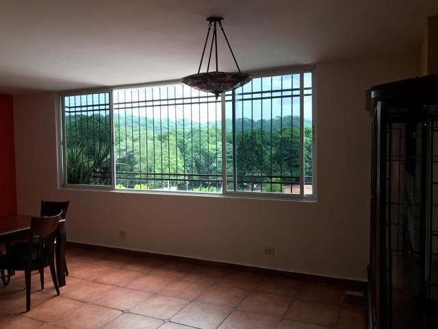 Alquilo Casa Grande en Betania. PH Villa de Fuente II. (410M2)