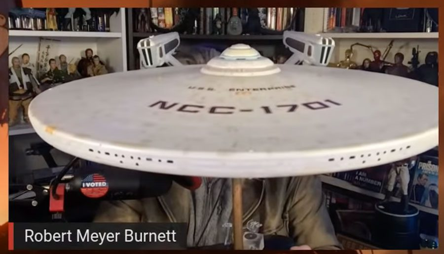 The episode where AZ and RMB check out 1:6 scale video games and a delicious model of the USS Enterprise-A (#005)