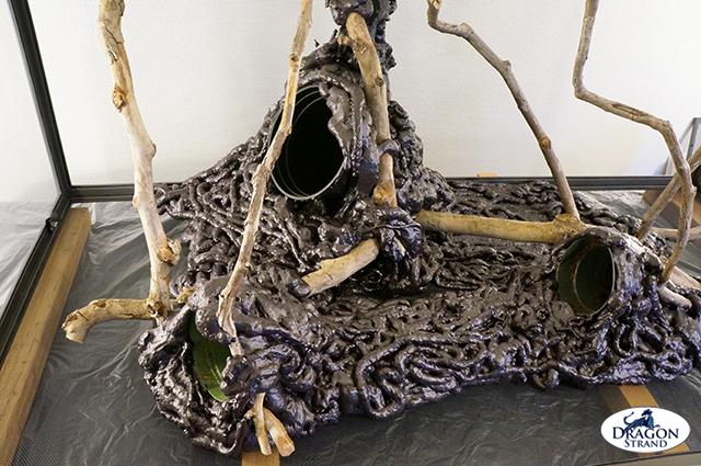 Chameleon Cage Setup: Great Stuff Naturalistic Display