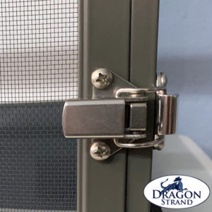 Chameleon cage Latch