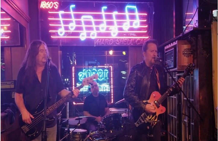 Live! The Stingers 9-1 a.m.! No Cover