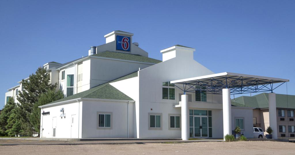 Motel 6_v2.jpg