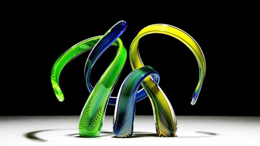 glass-header-883x569-1