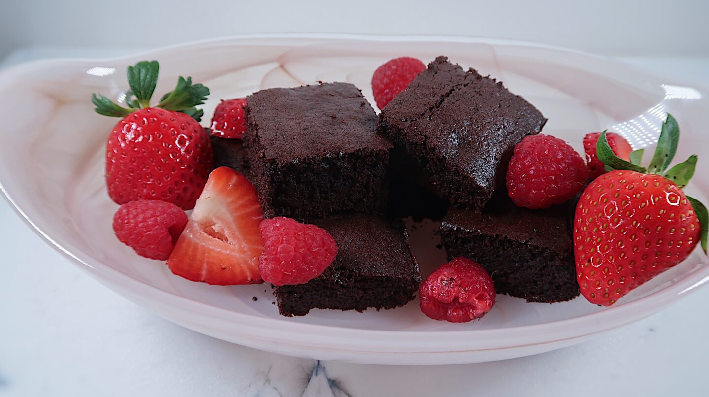 Healthier brownies with strawberries and raspberries