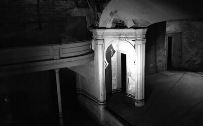 Ghost Turns off Flashlight