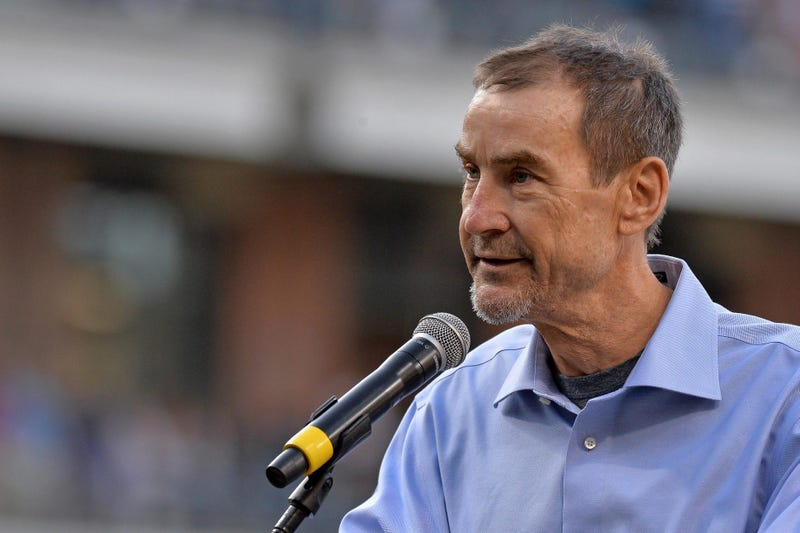 Padres' owner Peter Seidler breaks the mold |