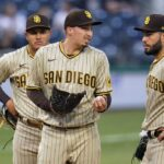 Snell ineffective, Myers hurt as Padres lose 8-4